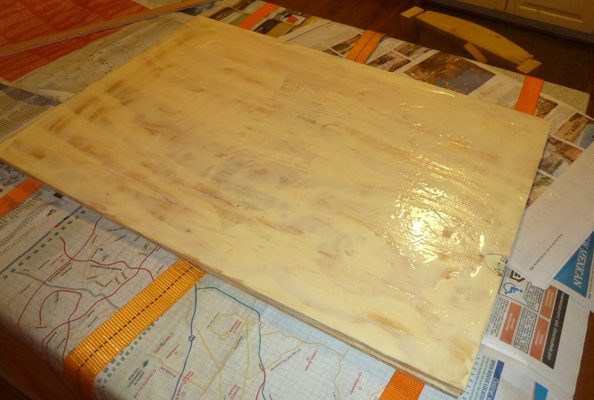 Good Spread Wood Glue On The Layers Of Plywood. This Happens To Be Layer Two,  And The Third Layer Will Go On Top Of This.